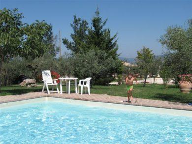 Del quondam un agriturismo a giano dell 39 umbria provincia for Disposizione del piano piscina